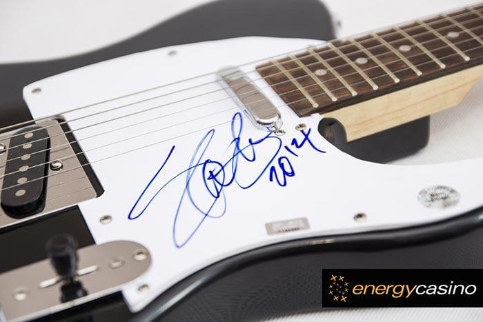 Guitar signed by Slash
