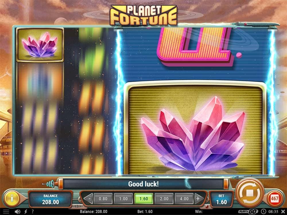 Planet Fortune Slot - Magnetic Mayhem Feature