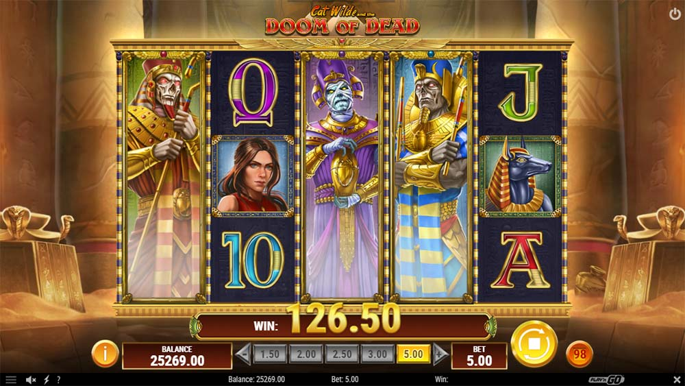 Doom of Dead Slot - Base Game Expanding Wilds